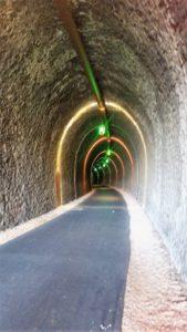 Des lumières dans le tunnel