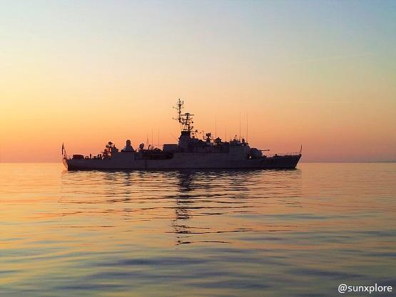 Un bateau militaire