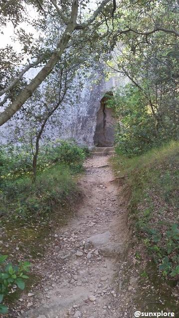 Proche de l'entrée de l'aqueduc de Sernhac