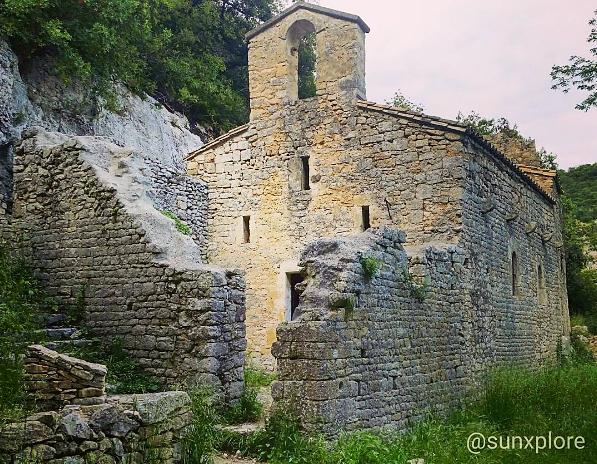 La chapelle de l'Ermitage à Collias