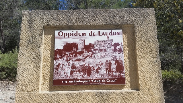 Le camp de César - 30290 Laudun-lardoise