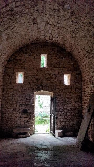 Visite de la chapelle notre Dame De Laval à Collias dans le Gard