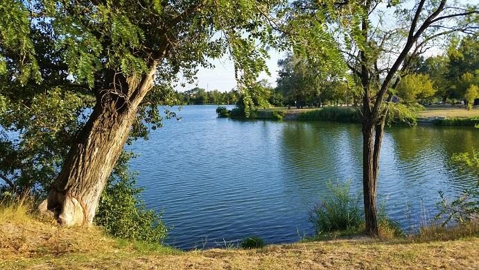 Le lac de Montélimar, un lieu de détente paisible