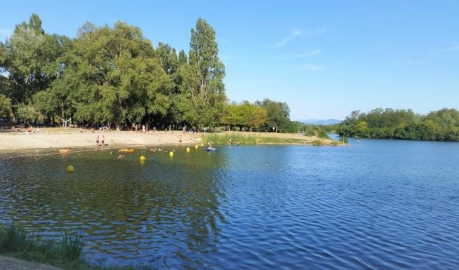 Une plage à Montélimar - Pour bronzer et se baigner
