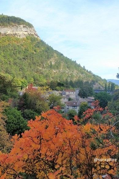 Le village de Pontaix en Automne - une promenade a la cascade de pontaix