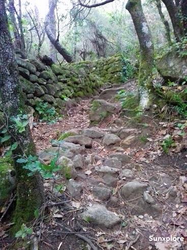 Chemin de la cascade de Vernon en Ardèche