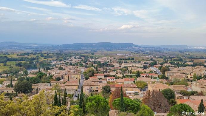 Saint-Victor-la-Coste vue du château du Castellas