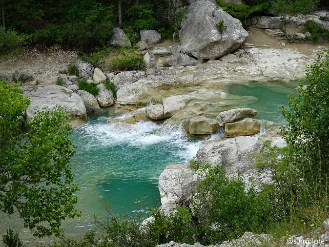Baignade entre les cascades des gorges de la méouge