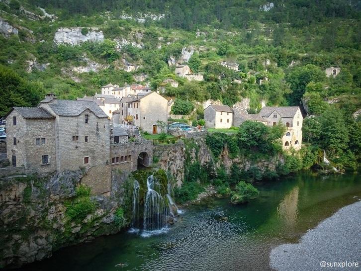 Découvrez Saint-Chély-Du-Tarn un hameau pittoresque et son extraordinaire cascade